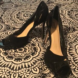 NEVET WORN Black leather and suede pumps size 9.5